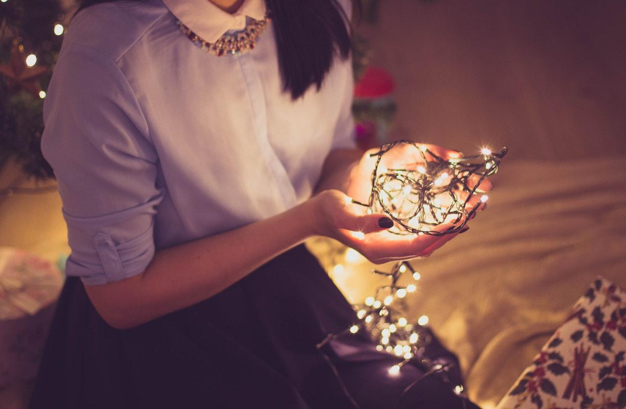 Sådan pynter du æstetisk boligen op til jul