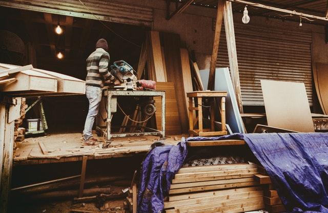 Skal du have renoveret boligen? Sådan vælger du den rigtige håndværker