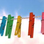 Organiser dit tøj med et tøjstativ